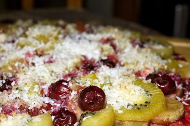 Пицца с фруктами. Фото: lump-off-mom.blogspot.com.
