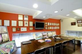 Офис архитекторов Юнаковых: разноцветный лабиринт, который постоянно меняется