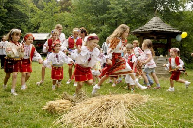 вышиванка, украинский стиль, украинские вышиванки, парад вышиванок