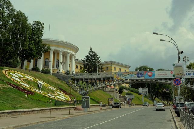 Скульптура украсит проспект Николая Бажана