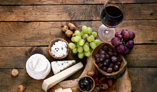 Целью фестиваля является пропаганда культуры правильного потребления вина