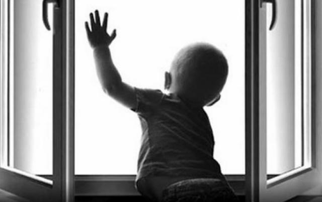 Малыш чудом выжил, но находится в тяжелом состоянии
