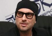 Дмитрий Нагиев рассказал, почем все время ходит в темных очках