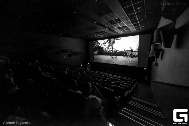 Ночь пожирателей рекламы в Cinema Сity 30 мая. Фото Владимира Бугаенко