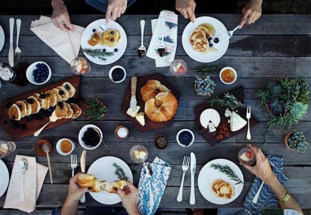 Первый Kiev Sunday Breakfast в Мариинском парке 24 мая. Фото lealis.com