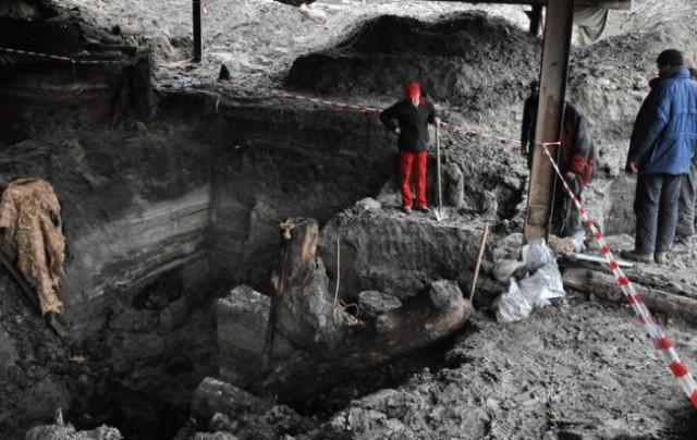 Во время реконструкции Почтовой площади были найдены остатки древней улиц времен Киевской Руси