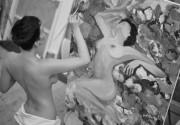 Даша Астафьева занимается творчеством обнаженная