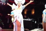 Оля Полякова выступила в Москве с гербом Украины на голове