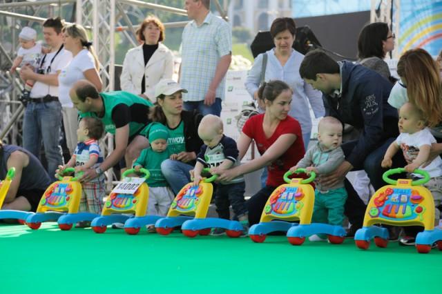 Возраст участников — от 6 до 14 месяцев