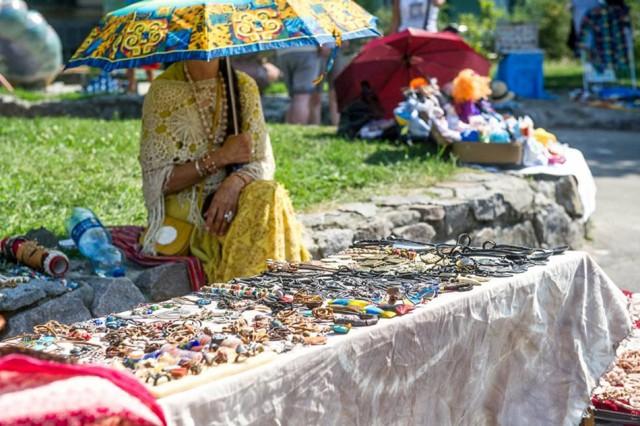 На ярмарки можно будет купить картины, скульптуры, предметы народного творчества