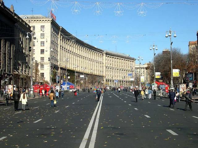 Мэрия увеличила разрешенные часы движения по главной улице Киева