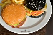 Хит продаж: black&white бургеры с курицей и говядиной