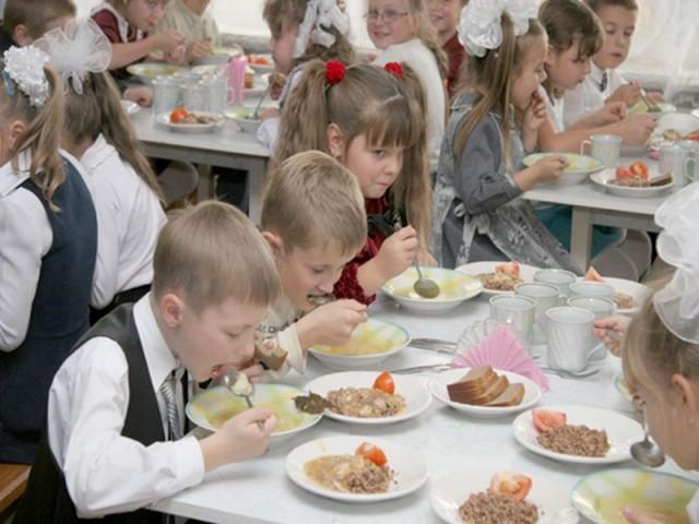 На питание киевских школьников в следующем году будет выделено больше денег