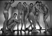 Вызывающе и модно: новая рекламная кампания дизайнера обуви Брайана Этвуда