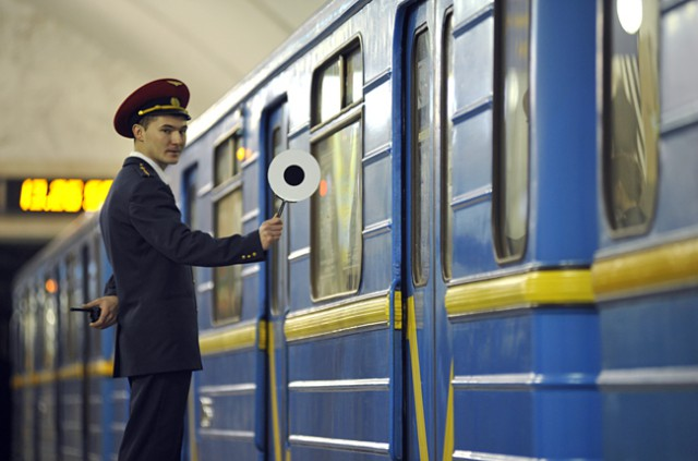 Киевский метрополитен принял неотложные меры по недопущению неправомерного пользования пассажирами студенческих проездных билетов
