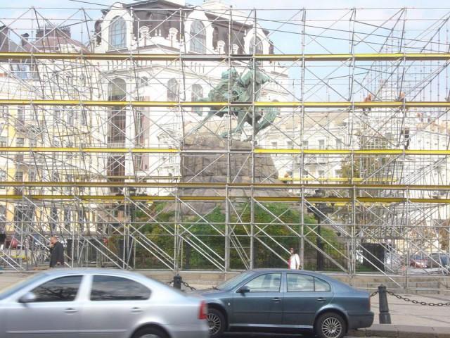 На Софийской площади готовятся к арт-инсталляции
