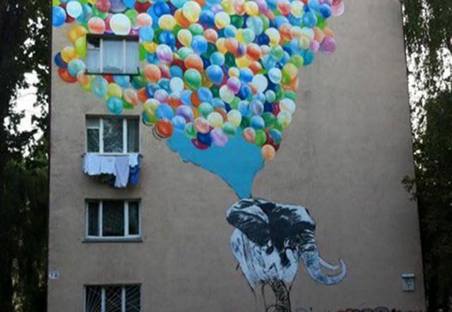 Автором мурала является стрит-художник Саша Корбан