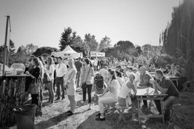 Винтаж, велосипеды и стиляги в фоторепортаже с фестиваля Ретро Круиз 2015