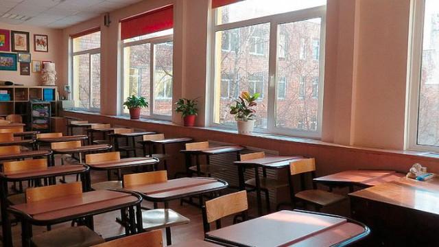 В гимназии полностью демонтировано токсичное покрытие пола