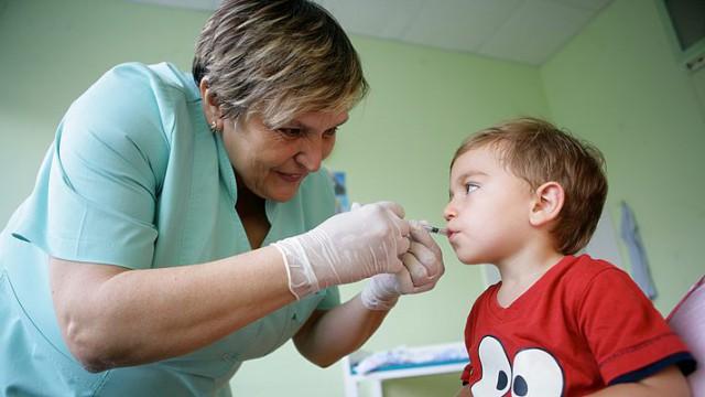 Первый раунд вакцинации продлится в течение трех недель
