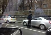 Полиция Киева в пробке охотилась на автонарушителей