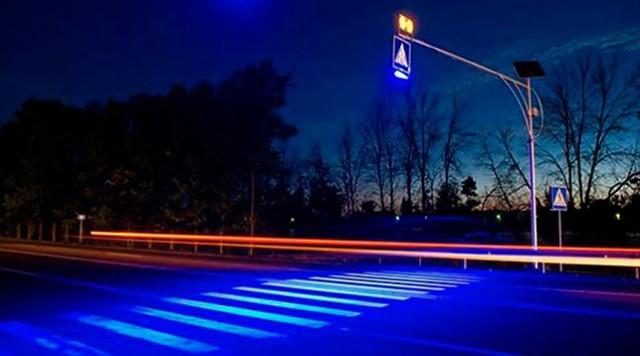 Сначала освещение хотят установить на переходах вблизи детских садиков и школ