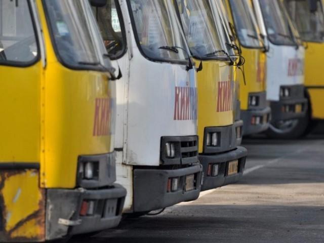 Разгневанные пассажиры готовы драться с хамством перевозчиков