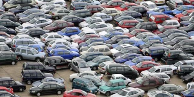 В Киевском горсовете разработали проект документа, который предусматривает отмену платы на коммунальных парковках вечером, ночью и в выходные дни