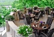 Летние террасы ресторана LEO