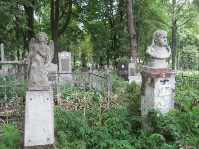 Старейший некрополь столицы обзаведется Аллеей почетных захоронений