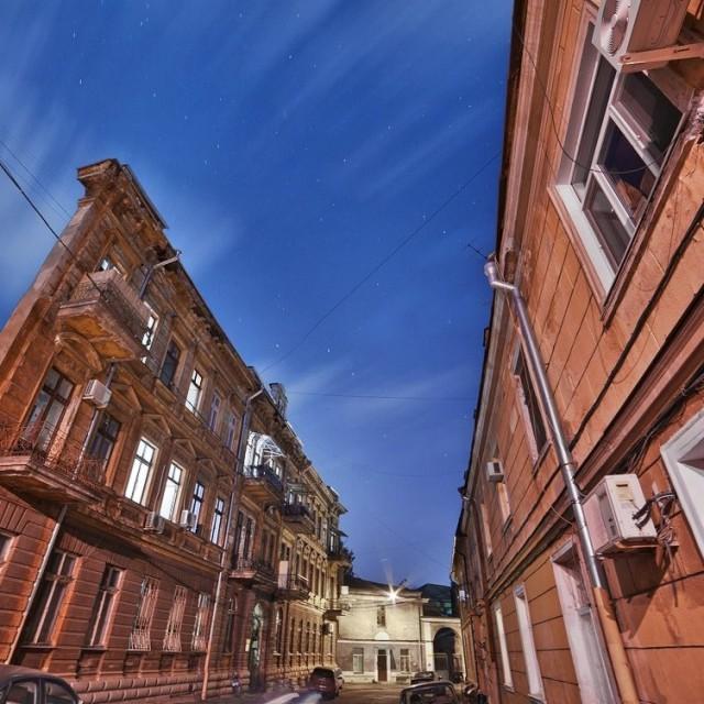 Дом с одной стеной в Воронцовском переулке Фото: http://vk.com/public_od_ua