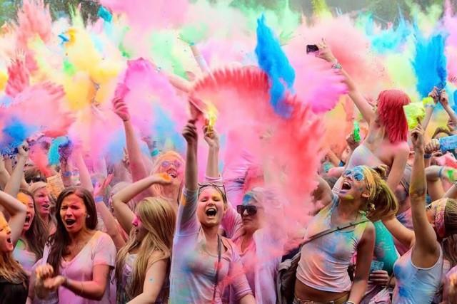 В эту субботу в столице пройдет уже 4-й фестиваль красок Холи #COLORFESTUA