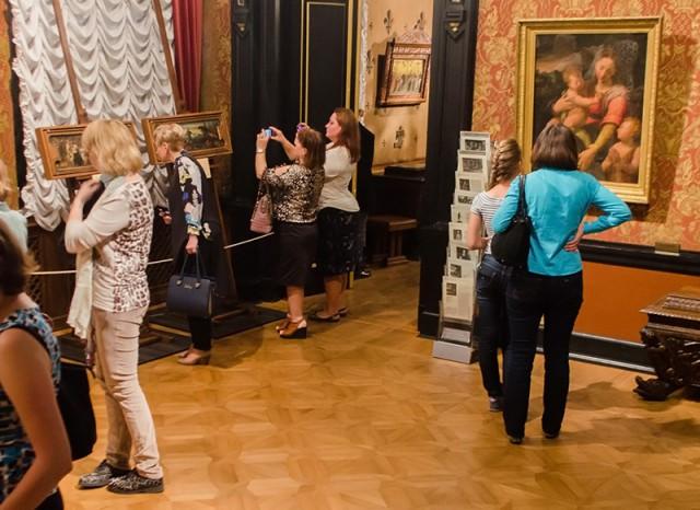 Резонансную выставку краденых картин «Спасенные скорби Италия» в музее Ханенко продлили еще на день