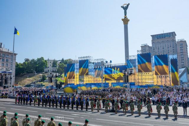 Бирюков подчеркнул, что ни одна единица техники с фронта не будет принимать участие в марше