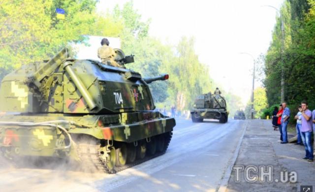 """Киевавтодор получил заверения, что военная техника будет перевозиться на специальных тралах или ездить в """"башмаках"""""""