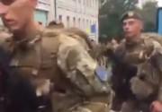 """""""Такие не отступят"""": украинские морпехи """"зажгли"""" Киев после парада (ВИДЕО)"""