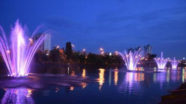 На Русановке заработали еще четыре фонтана