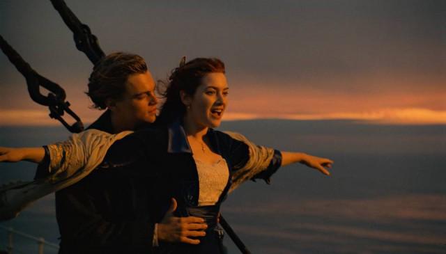 С этой пятницы 16 сентября по воскресенье 18 сентября на Певческом поле по вечерам будут показывать известные голливудские фильмы