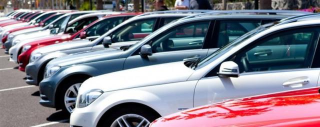 Злоумышленники представляются полицейскими и просят вознаграждение за информацию об похищенном авто