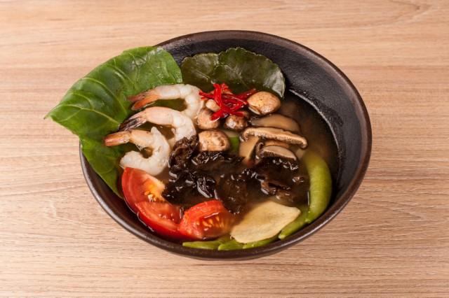 Азіатський суп Том Ям  з креветками