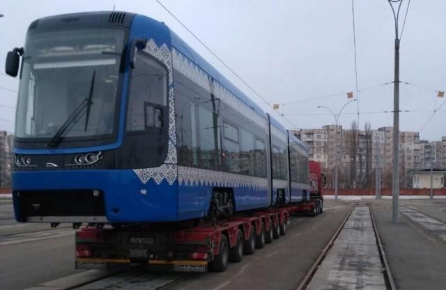 До конца года городские власти планируют закупить еще девять трамваев