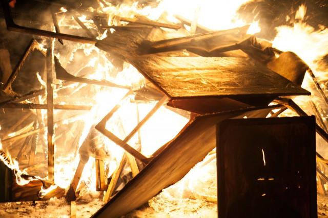 Она сожгла все свои картины