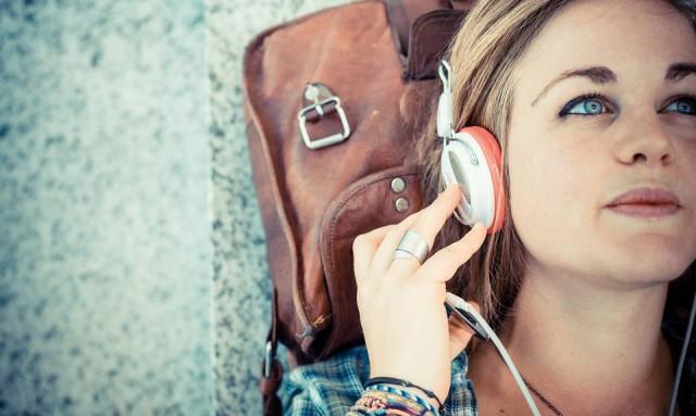 Известный музыкальный сервис назвал 10 самых популярных композиций года