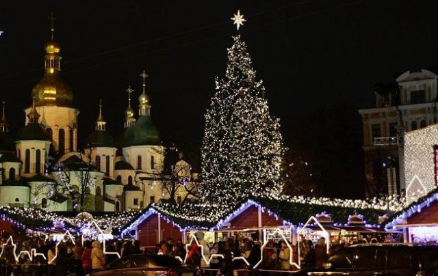 Главную елку страны зажгут на праздник Николая