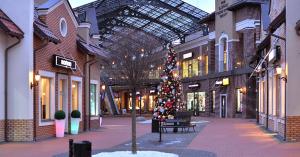 Аутлет-городок Мануфактура: модные покупки со скидками до 80%