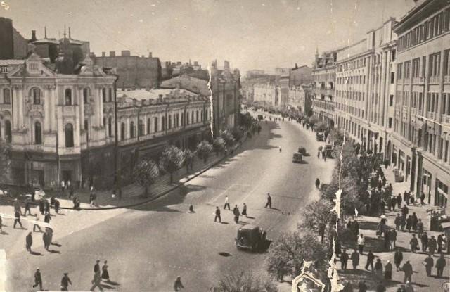 1935 год. Угол Карла Маркса (Городецкого) и Крещатика. (Фото: oldkiev.ho.ua)