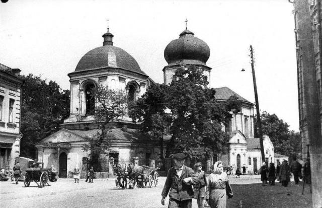 Церковь Николы Притиска. 1946 год. (Фото: oldkiev.ho.ua)