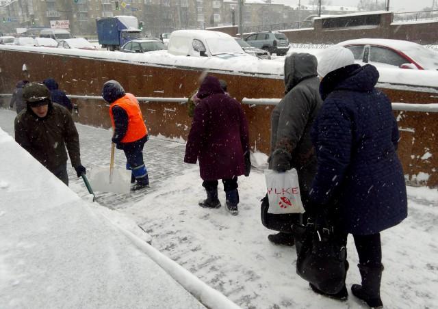 Замело. 20 см снега — и столица превратилась в снежное царство. Фото: А. Яремчук