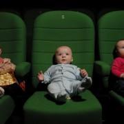 В столичном кинотеатре будут показывать фильмы новорожденным