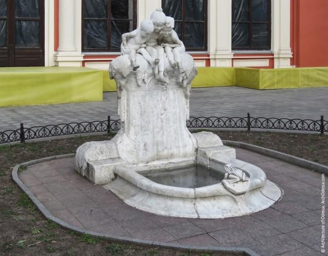Одесский фонтан. Украшал дачу ювелира, а потом — главную площадь